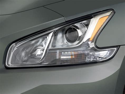 nissan headlights image 2010 nissan maxima 4 door sedan v6 cvt 3 5 sv