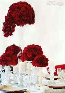 centerpieces with roses oscar tablescape b lovely events