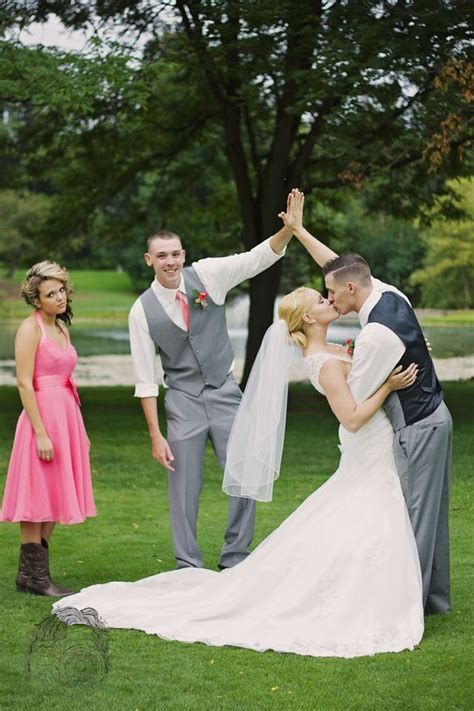 Cool Wedding Pictures by 25 Best Ideas About Weddings On