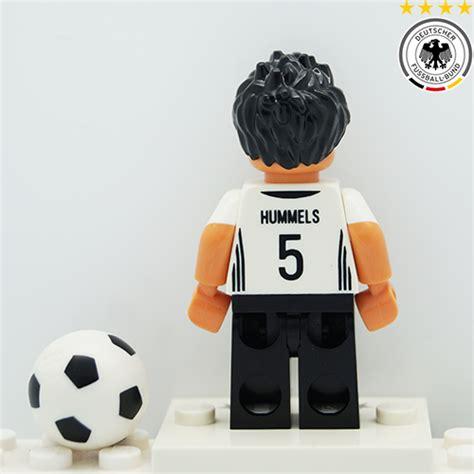 Minifigure Replika Lego Mats Hummels German Soccer Player mats hummels dfb german football team lego minifigures 71014 the minifigure store