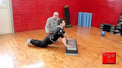 come farsi i muscoli a casa come scolpire i pettorali esercizi da fare a casa gratis