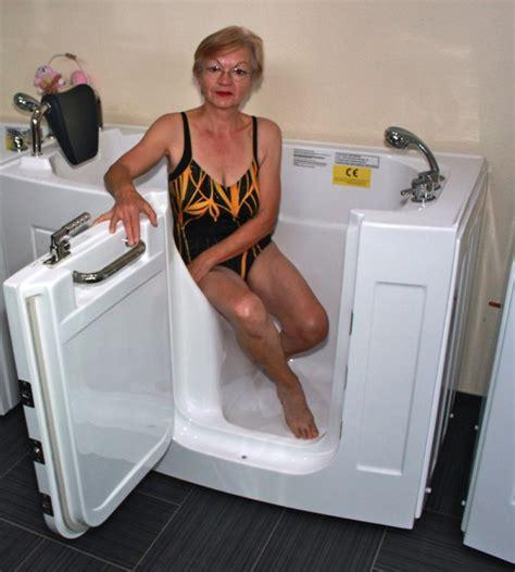 senioren badewanne senioren sitzbadewanne seniorenbadewanne sitzwanne