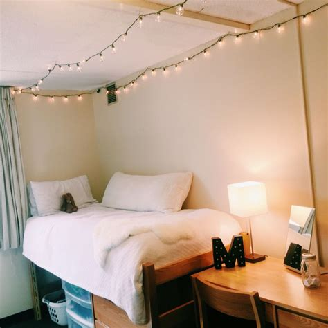 best 25 minimalist dorm ideas on pinterest