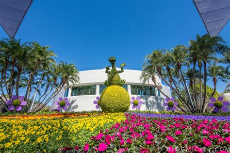 Epcot Flower Garden Photos 2017 Epcot Flower And Garden Festival Topiaries Mickey