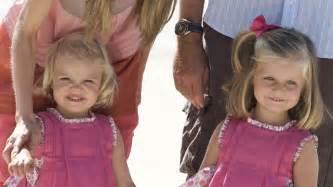 las hijas de espana 8466624856 las hijas de los reyes de espa 241 a felipe vi y letizia han crecido y as 237 lucen ahora video