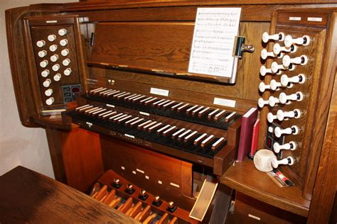 Organ L by St Barnabas Anglican Church Ottawa On