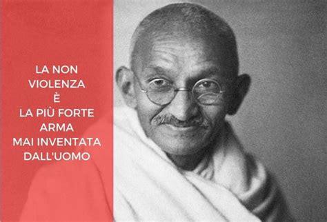 testo argomentativo sulla violenza sulle donne 10 frasi e insegnamenti sulla pace mahatma gandhi
