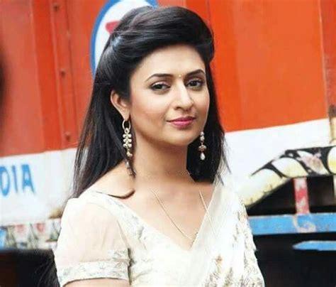 divyankana tripathy hair style divyanka tripathi in white saree divyanka tripathi