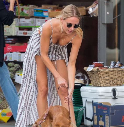free accidental braless downblouse pictures gallery kimberley garner downblouse cleavage in london celebrity