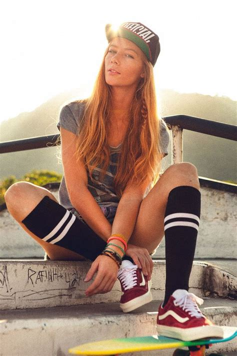 hot skater girl psychedelic skater fashion psychedelic skate girl and