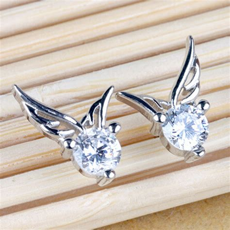 Hollow Wings In The Earrings pair of gorgeous rhinestone wings hollow out