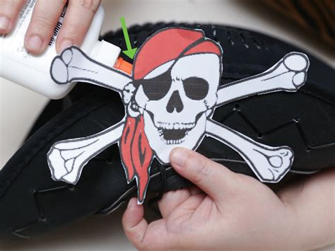 How To Make A Pirate Hat From Paper - 5 ways to make a pirate hat wikihow