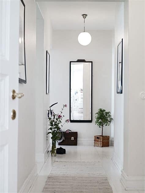 decorar pasillos y escaleras tips para decorar con espejos tu casa el blog del decorador