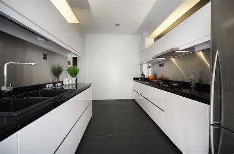 Apartment Galley Kitchen Ideas by Black And White Kitchens Ideas Photos Inspirations