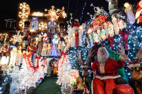 decorations in new york 28 images nyc s allez d 233 couvrir les folles d 233 corations de no 235 l dans le quartier de dyker heights 224