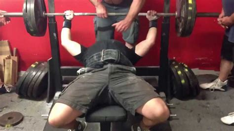 bench press bands powerlifting joe winkler bench press 370 with bands 5 9 13 youtube