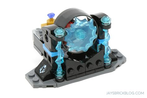 Lego Thor Ragnarok Brick Minifigure With Axe And Hammer review lego 76102 thor s weapon quest