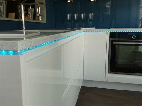 led plinthe cuisine stunning ruban led encastrable suspendu design accueil