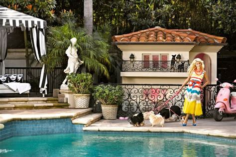 paris hiltons dog house paris hilton s luxury dog mansion