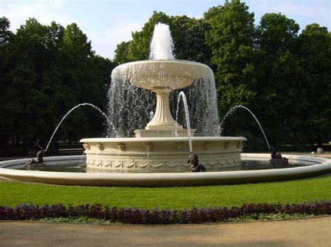 file saxon garden fountain jpg wikimedia commons