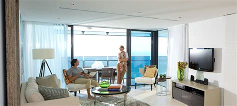 surfers paradise 3 bedroom apartments two bedroom sky view apartment soul surfers paradise