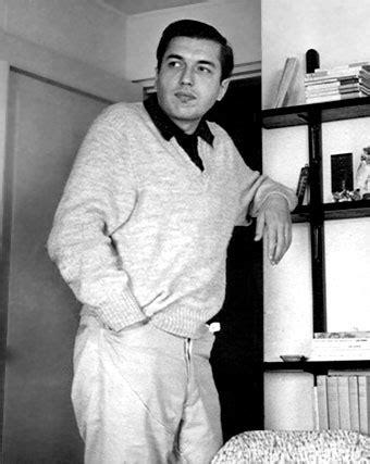 Biografia de Luis Loayza