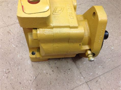 john deere jd    hydraulic pump dozer  gpm crawler  finney equipment