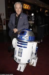 anthony daniels to be strong anthony daniels reveals he initially refused to play c 3po