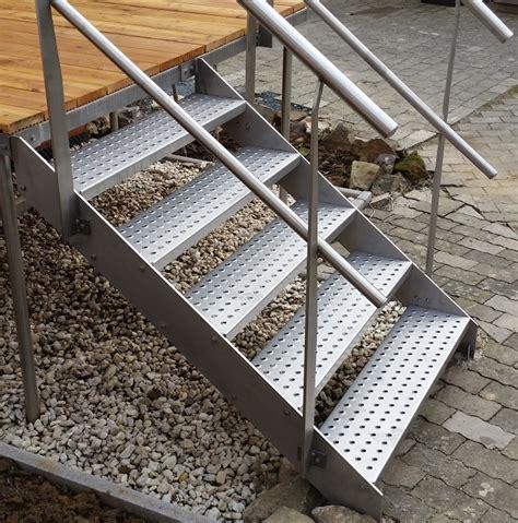 kleine treppe kleine treppe kaufen kleine treppe aus feuerverzinktem