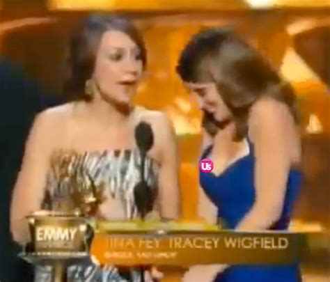 Poehler Wardrobe Malfunction by Tina Fey Suffers Nip Slip Wardrobe Malfunction On Stage