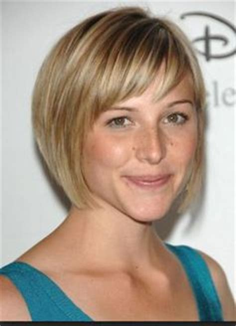 arianne zucker with short hair hair on pinterest round faces short haircuts and thin hair