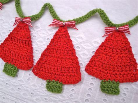 crochet pattern christmas tree bunting crochet christmas tree bunting red green handmade