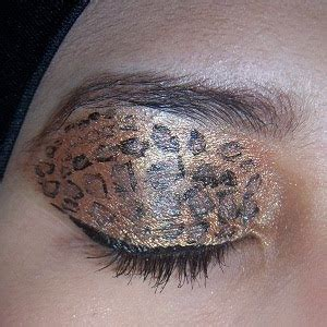 Lip Pencil Inez beautiful hijabi fotd leopard