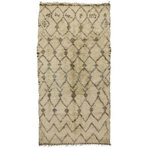 beni ourain style rug vintage beni ourain moroccan rug with mid century modern style for sale at 1stdibs