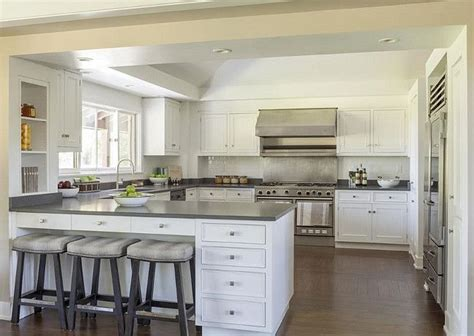 kitchen with island and peninsula 20 best ideas about kitchen peninsula on pinterest
