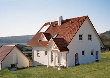 Graue Fassade Rotes Dach by Haus Rotes Dach Fassade Moderne Huser Tredup