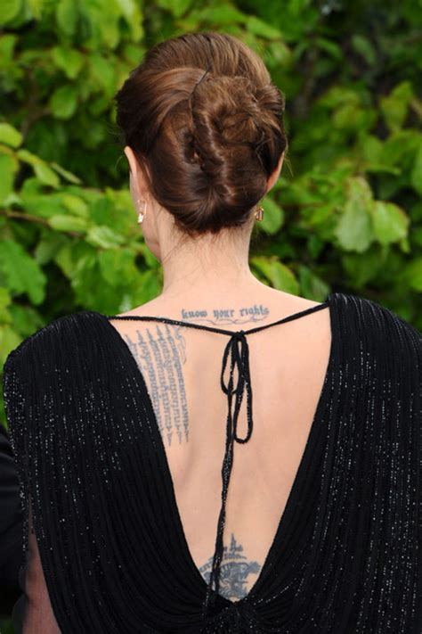 angelina jolie tattoo know your rights font listed celebs met quote en tekst tattoos fashionlab