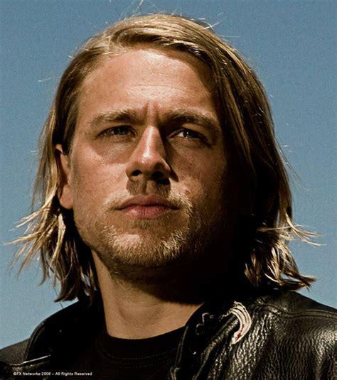 jaxs hairstyle sons of anarchy charlie hunnam jackson jax teller haircut