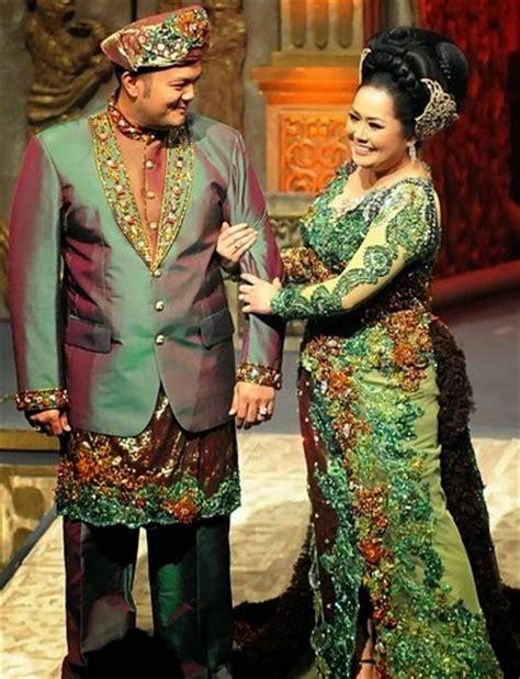 Promo Baju Kebaya Batik Muslim Asesoris Jilbab contoh model kebaya modern populer untuk wanita gemuk