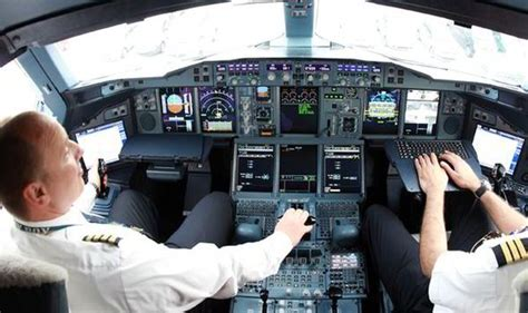 pilots report hundreds of toxic cabin air emergencies
