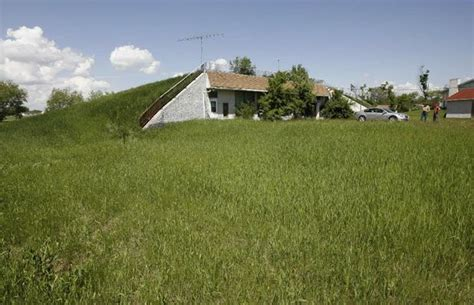 17 best ideas about underground homes for sale on
