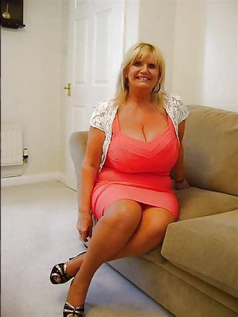 full figure milf pics tiny mom with big tits gets tight https www tumblr com dashboard busty mature women