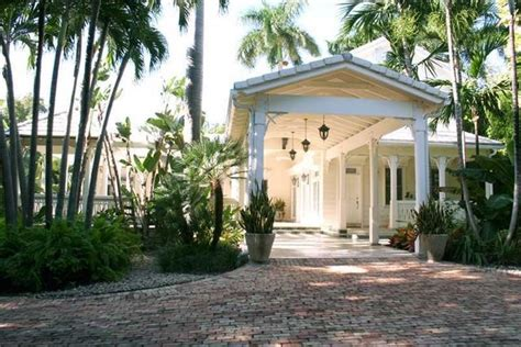 gloria estefan house singer gloria estefan lists star island house for sale for 40m realtor com 174