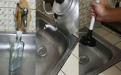 Clear Clogged Kitchen Sink Clear A Clogged Drain With Vinegar Vinegar Tubs And Household