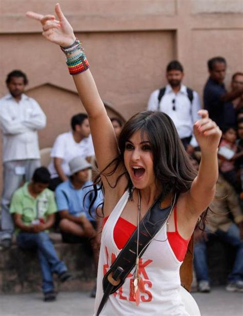 front hairstyle of katrina in mere brother ki dulhan movie stills katrina kaif in mere brother ki dulhan
