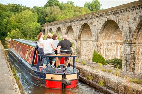 boat locks easy lock free canal boat holidays beginner routes