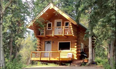 cozy alaska log cabin   woods cozy homes life