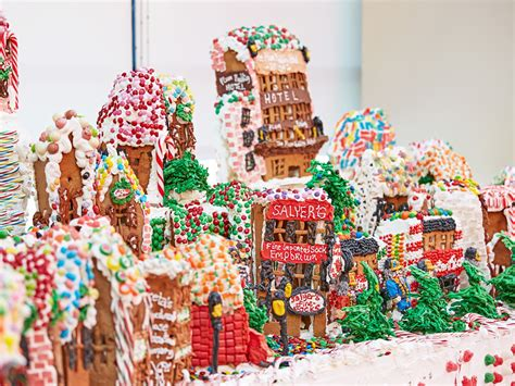 biggest christmas house nyc edible real estate these amazing gingerbread houses are totally turnkey 6sqft