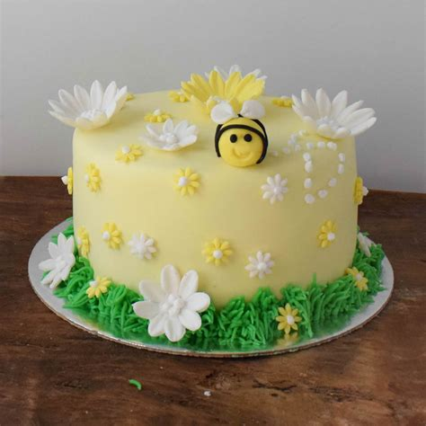 learn cake decorating at home learn cake decorating at home cake decorating flourish