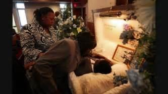 Bernie mac open casket funeral bernie mac in his casket photos